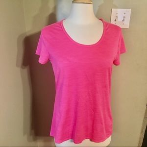 Athleta pink short sleeve shirt sz. L EUC
